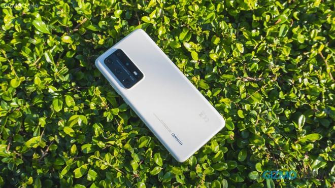 Huawei dan dau thi phan di dong anh 1