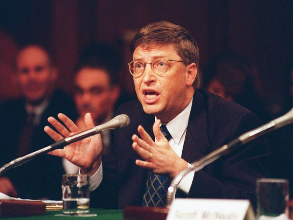 Bill Gates dieu tran truoc Quoc hoi My nam 1998 anh 2