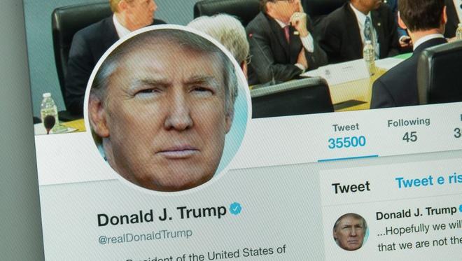 Tong thong My Donald Trump bi hack Twitter anh 1