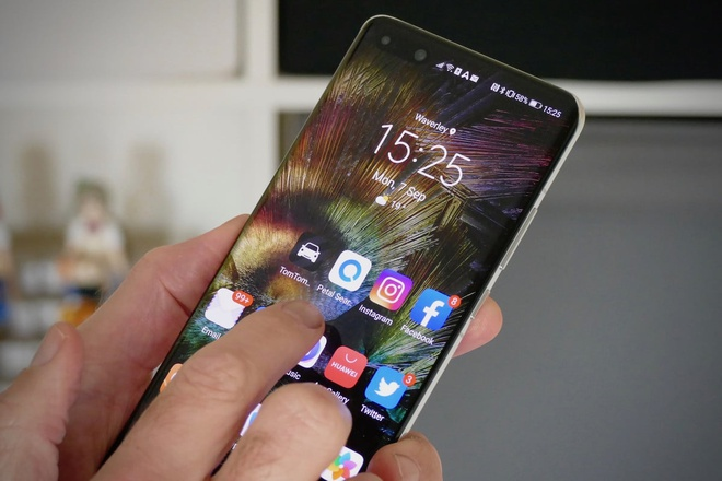 Huawei tung don danh vao Google nham danh bai Android anh 1
