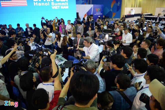 Tong thong Trump: 'Lenh trung phat la tro ngai cua thoa thuan chung' hinh anh 15
