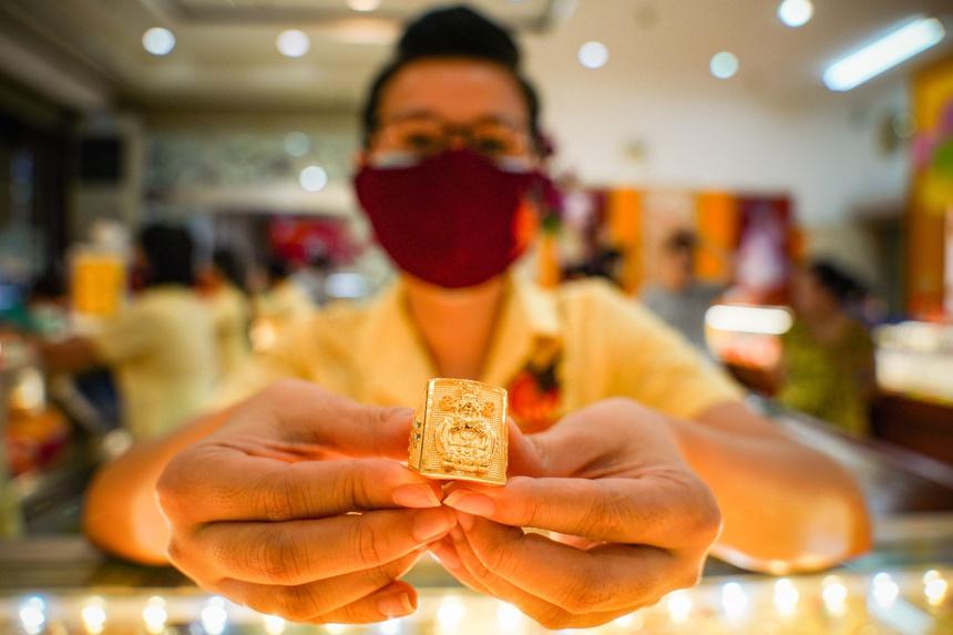 Mua vàng lỗ ngay 2,5 triệu đồng/lượng