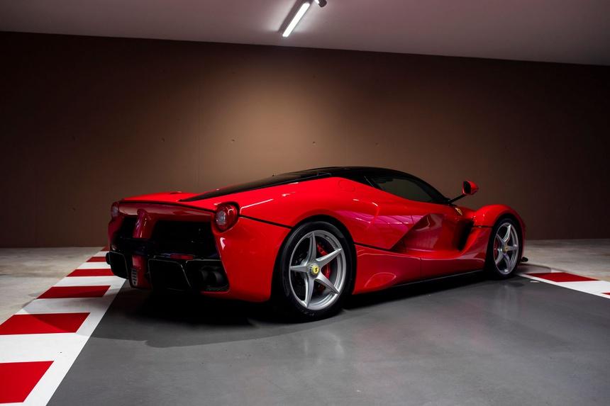 Sebastian Vettel rao ban dan sieu xe 10 trieu USD sau khi roi Ferrari anh 4