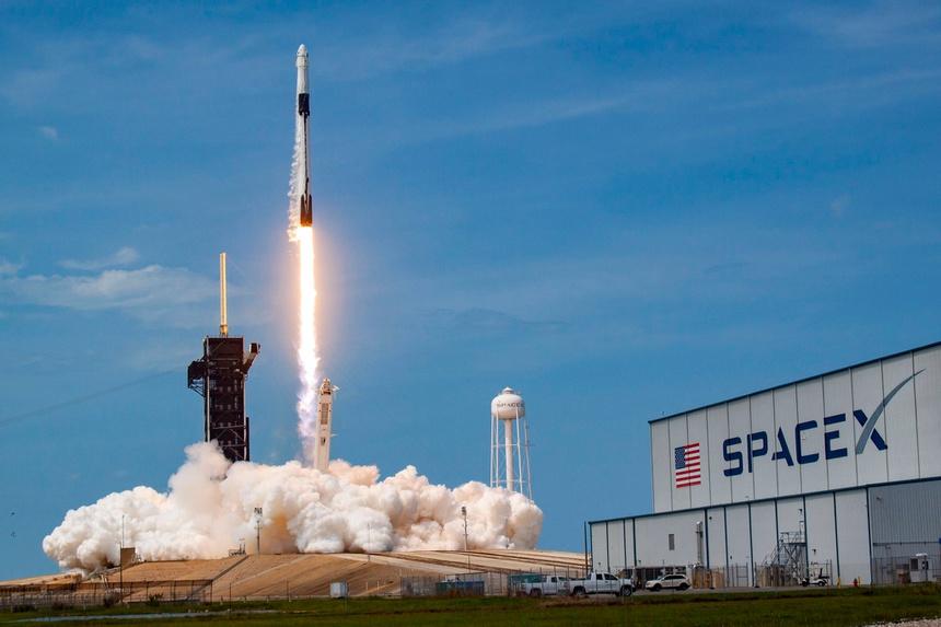 Spacex cua elon musk anh 2