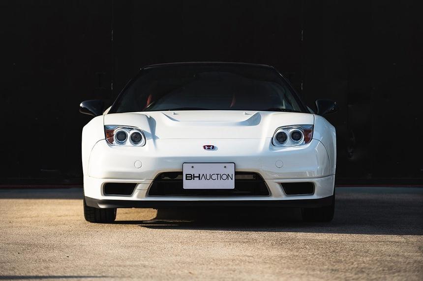 xe-Honda-NSX-R-doi-2002-duoc-rao-ban-gia-tu-408.000USD-06
