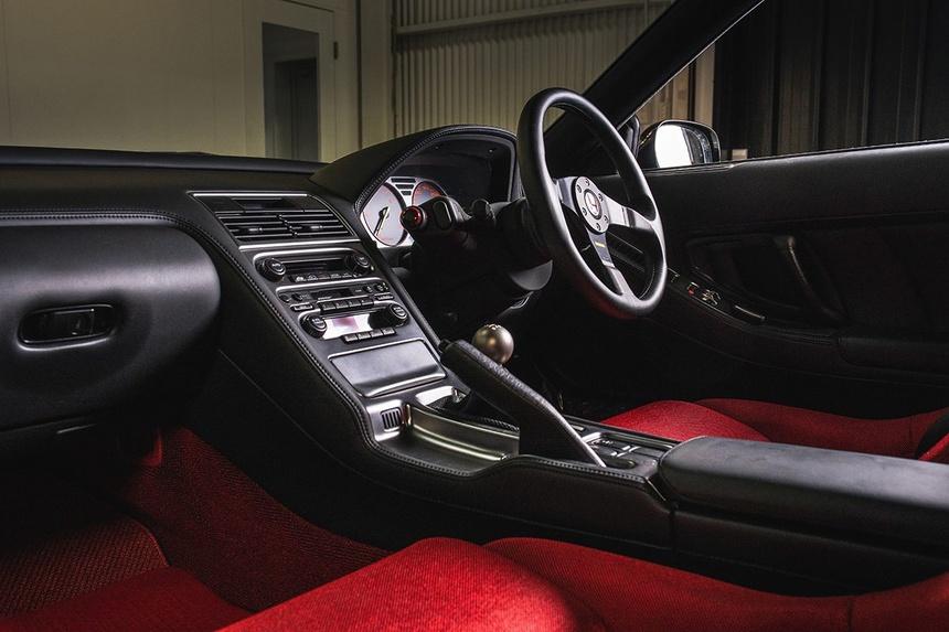 xe-Honda-NSX-R-doi-2002-duoc-rao-ban-gia-tu-408.000USD-11