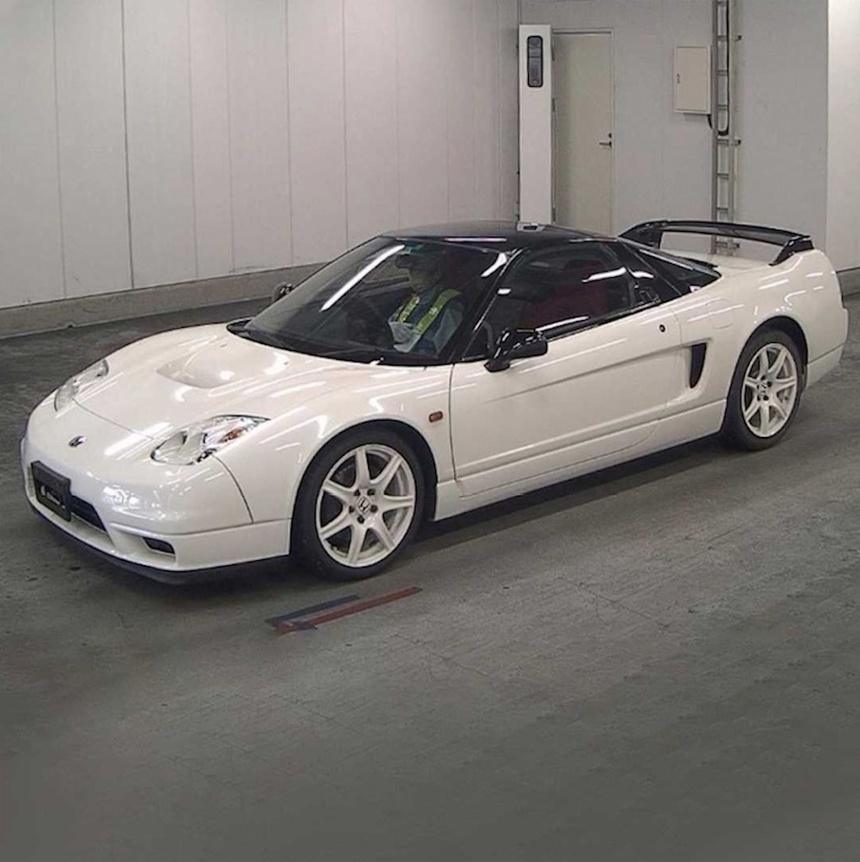 xe-Honda-NSX-R-doi-2002-duoc-rao-ban-gia-tu-408.000USD-02