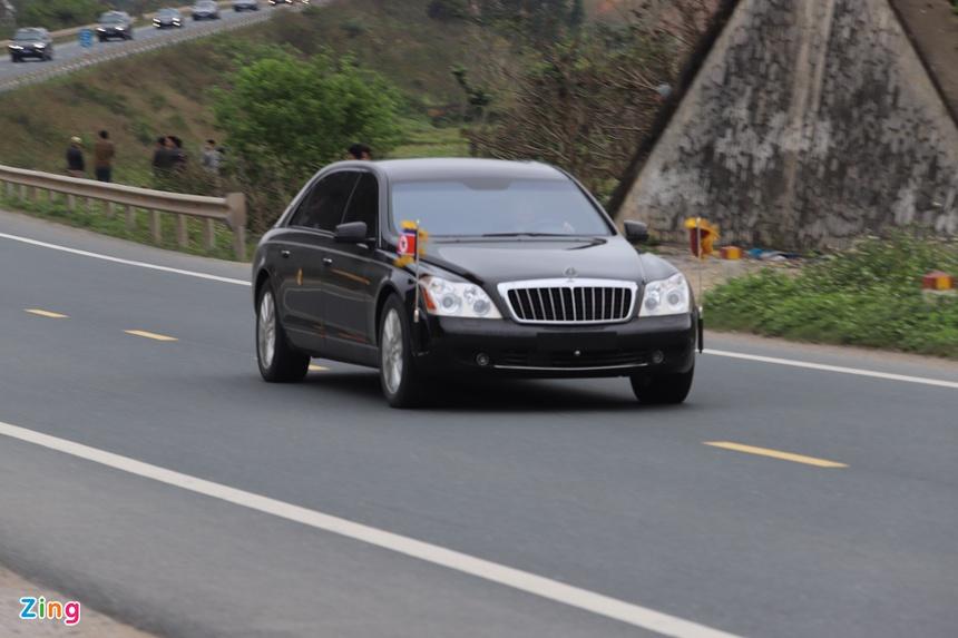 Doan xe cua Chu tich Kim Jong Un roi Dong Dang, huong ve Ha Noi hinh anh 11